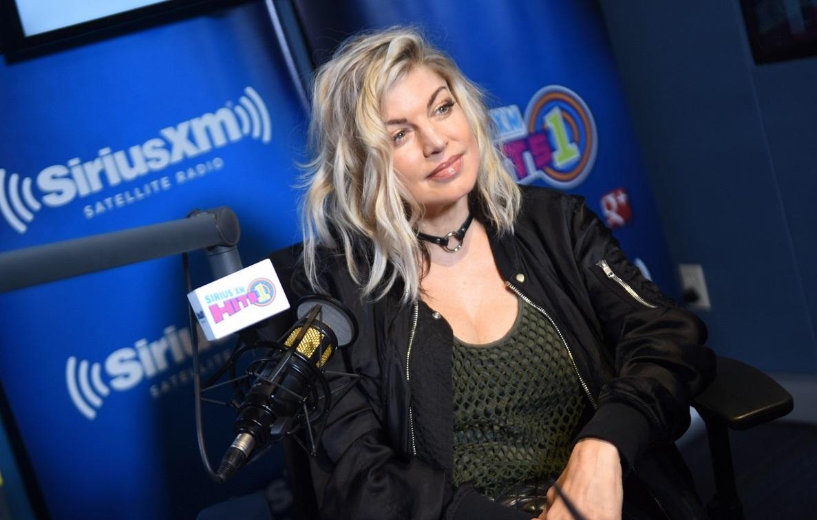 Fergie revela seguir con ganas de grabar con la banda «The Black Eyed Peas»