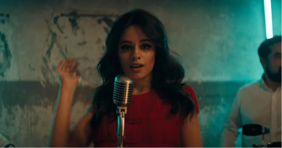 """Mira el clip cinematográfico de """"Havana"""" por Camila Cabello"""