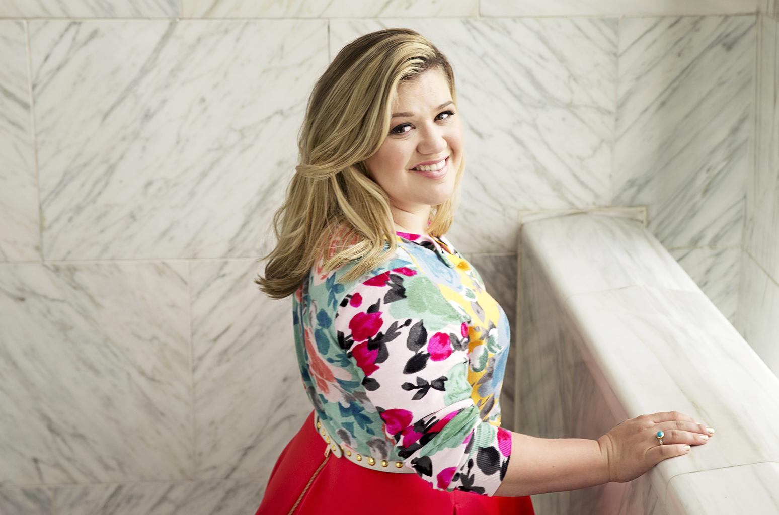 Kelly Clarkson explica porque escogió The Voice sobre American Idol
