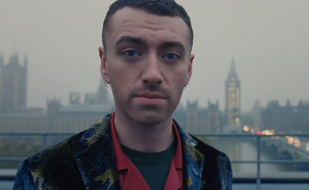 "Sam Smith reveló el vídeo oficial de ""One Last Song"""