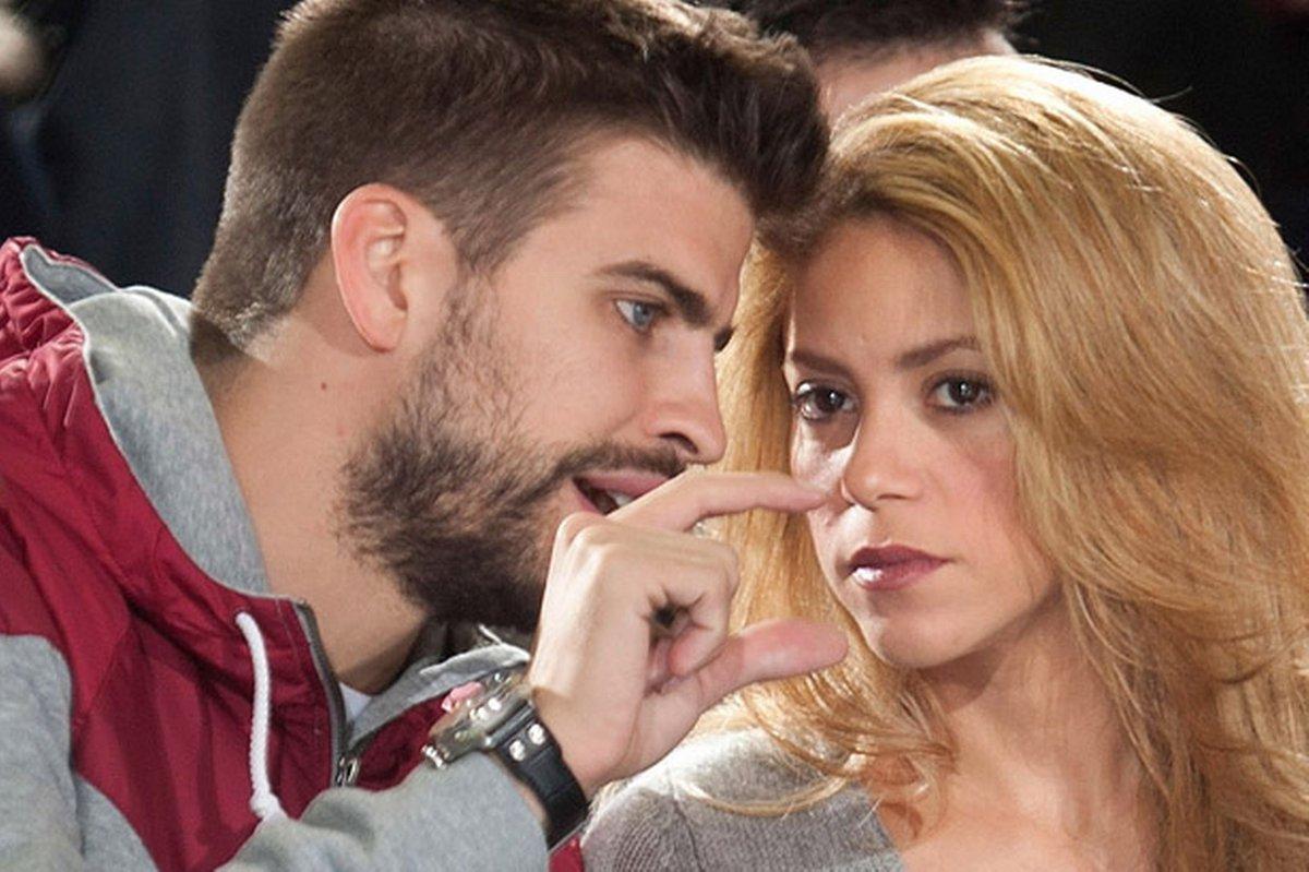 Shakira rompe en llanto en discusión pública con Piqué