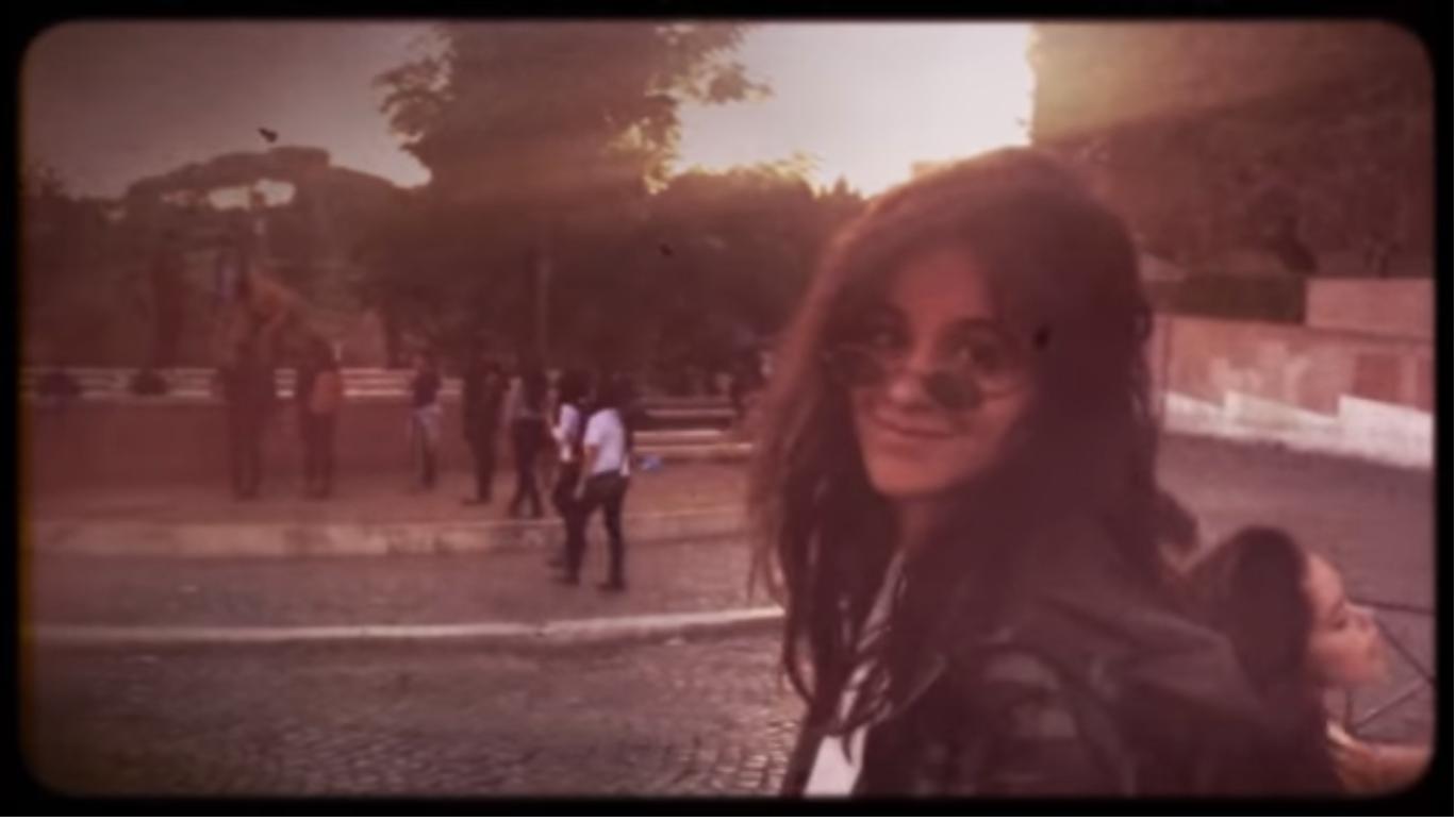 """Camila Cabello lanza clip de """"Never Be The Same"""" como agradecimiento a sus fans"""