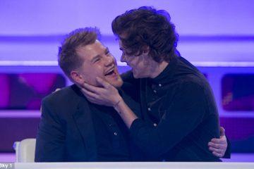 Harry Styles y James Corden se besan en especial navideño de 'Carpool Karaoke'