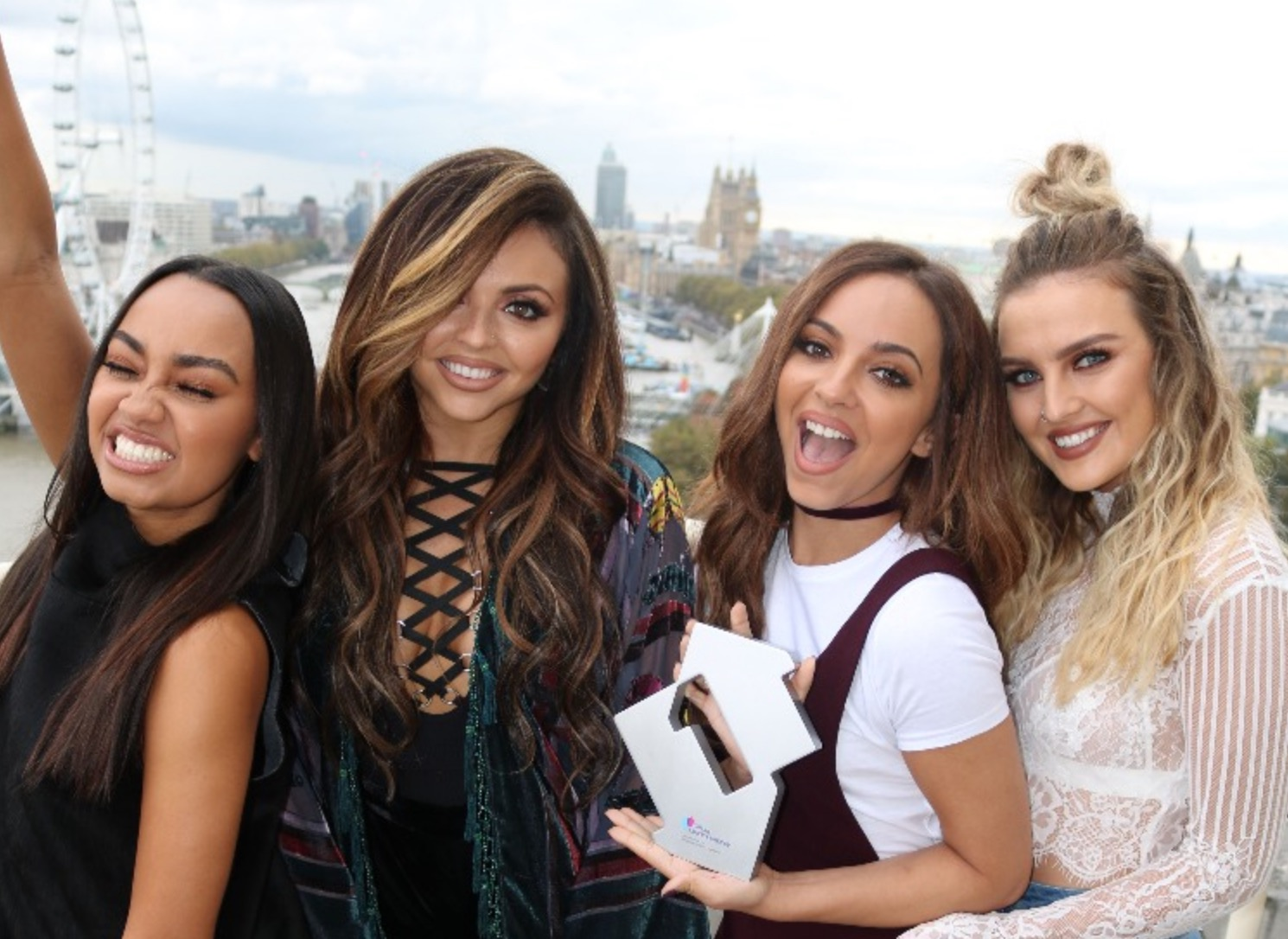 Little Mix presentan Reggaeton Lento con CNCO en X Factor UK