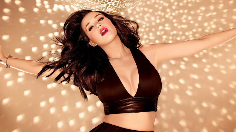 Katy Perry habla sobre los rumores de cirugía plástica