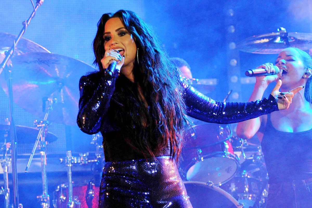 Demi Lovato lloró en medio de concierto del 'Tell Me You Love Me Tour'