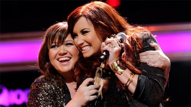 Kelly Clarkson y Demi Lovato declararon su amor la una por la otra