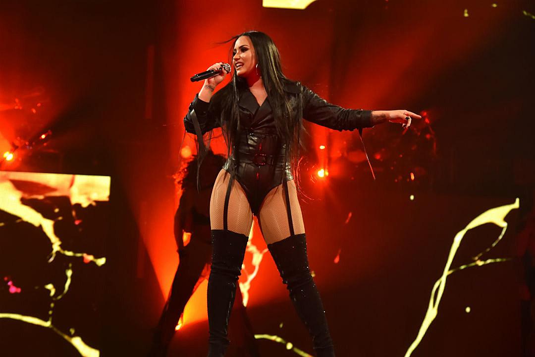 Demi Lovato ayudó a pareja gay a comprometerse en uno de sus conciertos