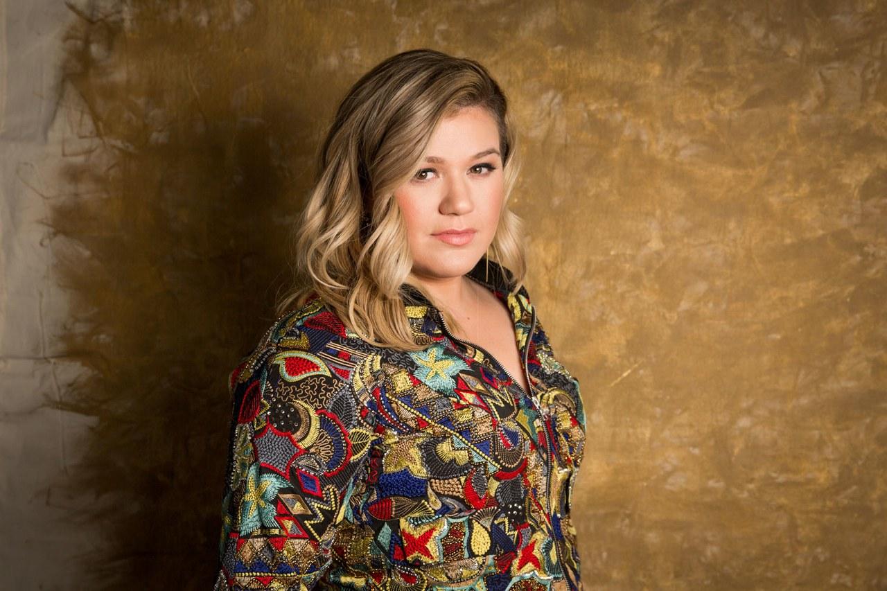 Kelly Clarkson revela que una canción de Mariah Carey inspiró su carrera