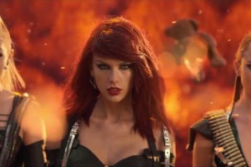 Los 16 looks más memorables de Taylor Swift en vídeos