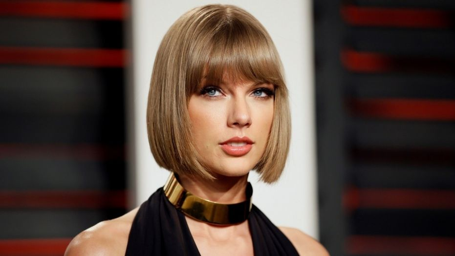 Hombre robó un banco para impresionar a Taylor Swift