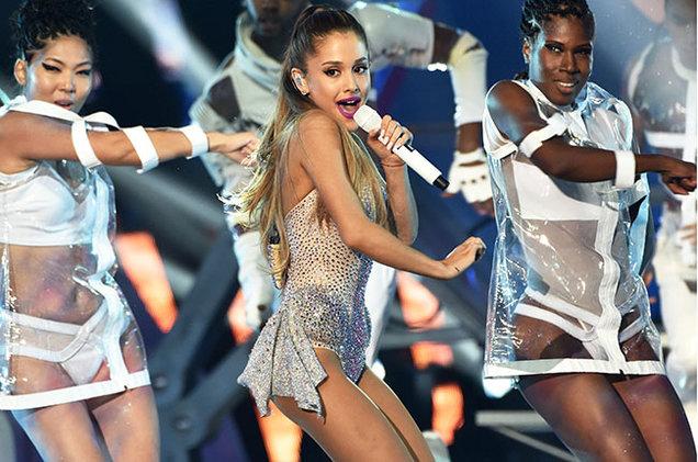 Billboard elige las mejores presentaciones de Ariana Grande