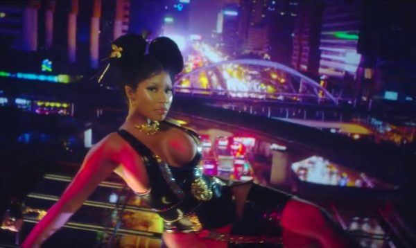 "Nicki Minaj lanzó los vídeos oficiales de ""Chun-Li"" y ""Barbie Tingz"""