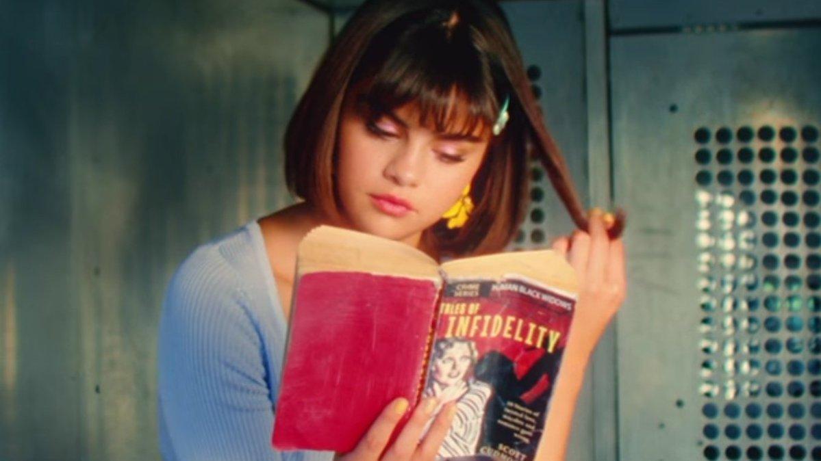 """Selena Gomez lanzó el vídeo oficial de """"Back To You"""""""