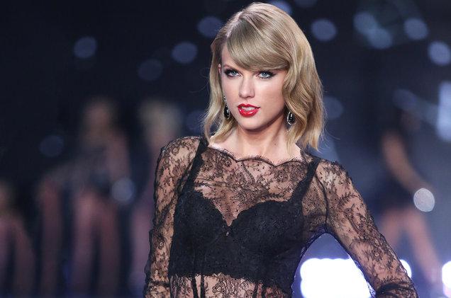 El bailarín que Taylor Swift despidió por comentarios machistas habla por primera vez del asunto