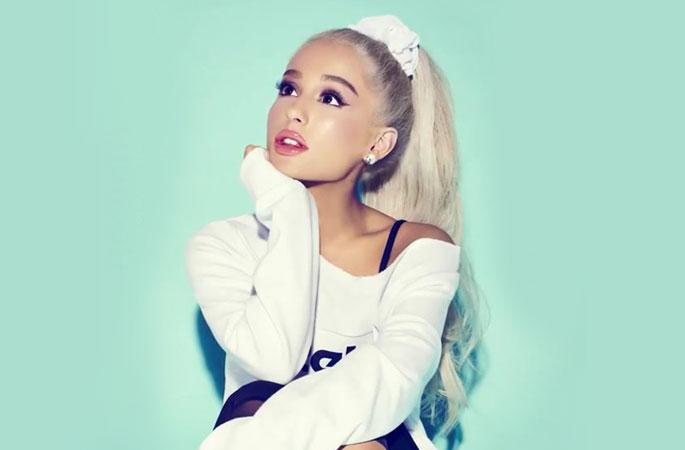 Ariana Grande comenzó a revelar el tracklist oficial de su nuevo álbum