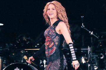 Medio español crítica fuertemente la voz de Shakira durante concierto