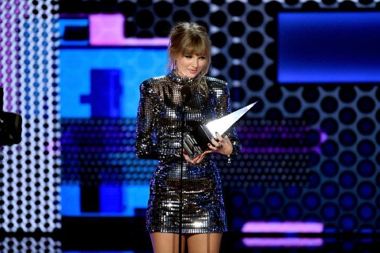 Taylor Swift acaba de romper un récord masivo de Whitney Houston