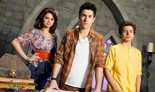 David Henrie afirma que ha estado hablando con Selena Gomez sobre el reboot para 'Los Hechiceros de Waverly Place'