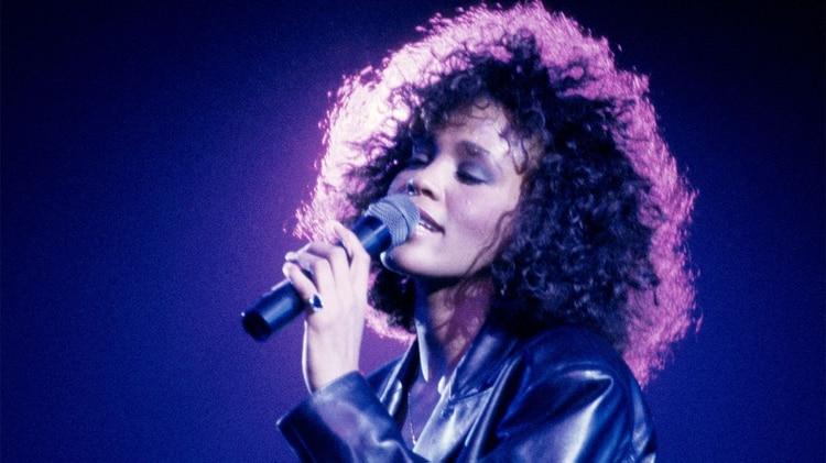 Whitney Houston: anuncian gira mundial con holograma de la cantante al estilo Black Mirror