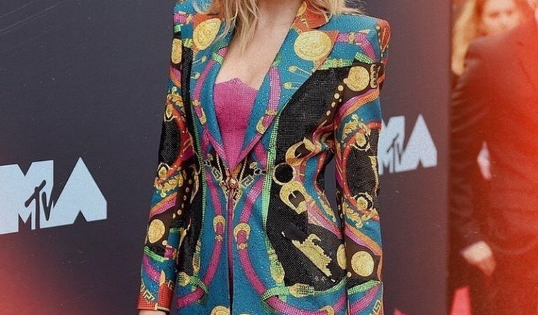 Taylor Swift está 'preocupada' de que su felicidad arruine su música