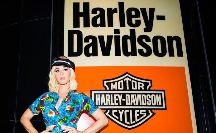 Katy Perry salva a Harley-Davidson de quebrar gracias a Harleys In Hawaii