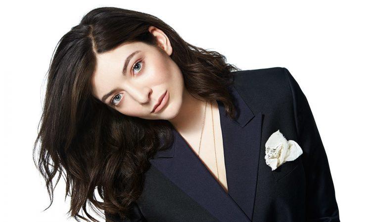 Lorde retrasa el lanzamiento de su próximo álbum tras el fallecimiento de su mascota