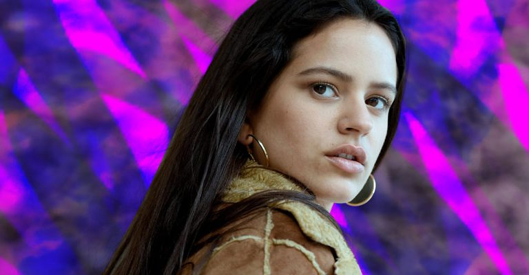 Vidente afirma que Rosalía es la nueva Selena Quintanilla y que sufrirá su mismo destino
