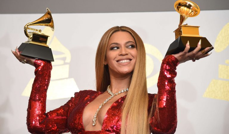 Lista de cantantes que han ganado un Grammy pero fueron víctimas de resultados alterados