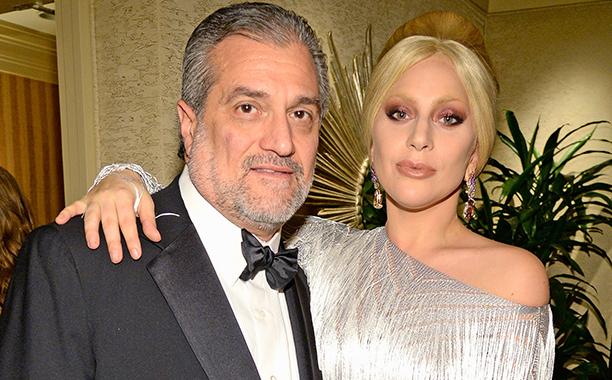 Padre de Lady Gaga inicia una recaudación de fondos para pagarle a sus empleados