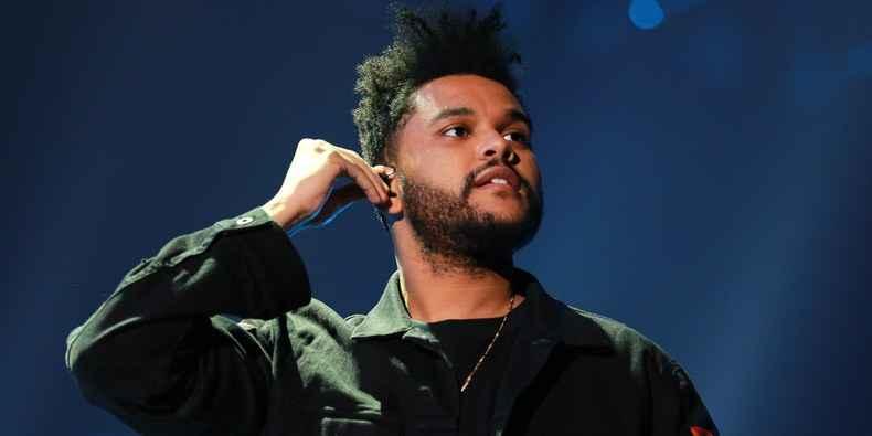 """Sin cumplirse un año de haberse lanzado, """"Blinding Lights"""" supera a """"Despacito"""" y se adentra al top 10 de las canciones más exitosas de la Historia"""