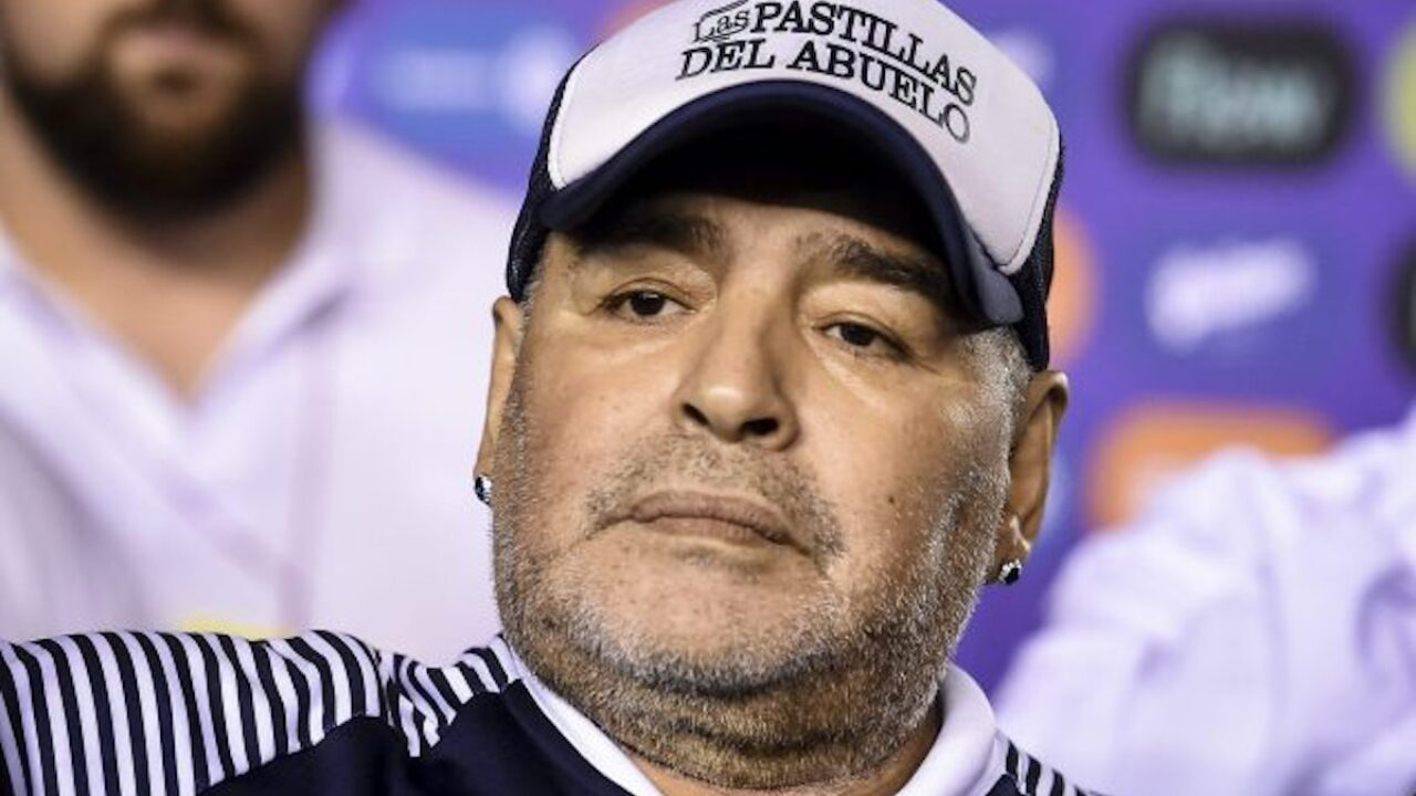 Muere el famoso futbolista argentino Diego Armando Maradona a los 60 años