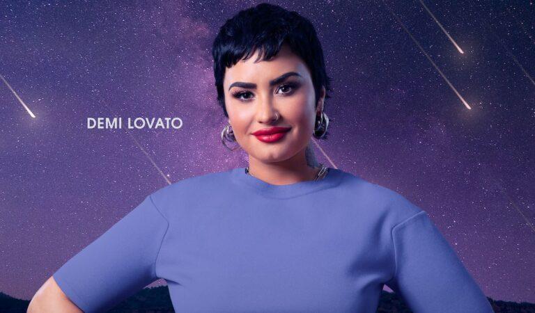 Demi Lovato le canta a los extraterrestres